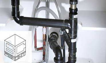 ВиК услуги на водопроводчик в Бургас. Монтаж на вани и душ кабини.
